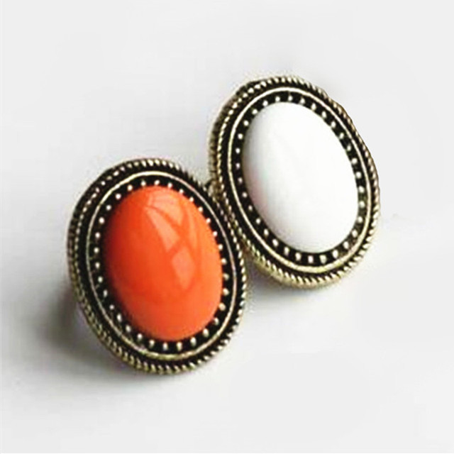 2018 New Fashion Jewelry European Style Personalized Fashion Vintage Oval Gem Re