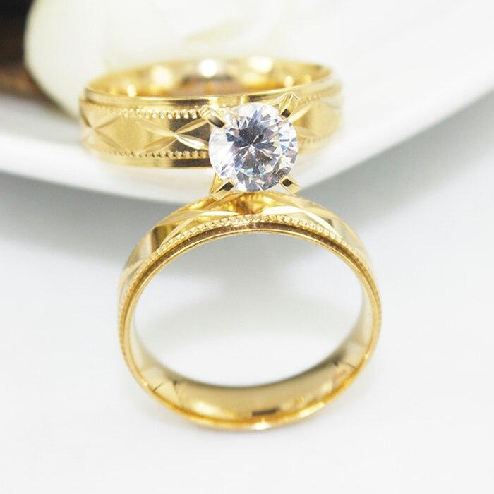 0f4bf7ca5b54 Parejas de acero inoxidable anillos para hombres mujeres oro alianzas de  boda del contrato del aniversario amantes his and hers promise ring KR005  en ...