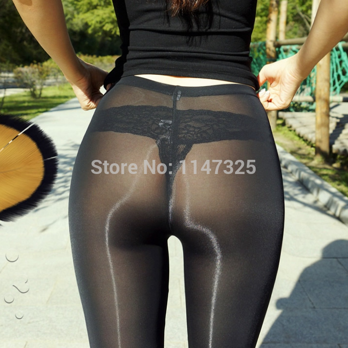 Big ass in see thru leggings