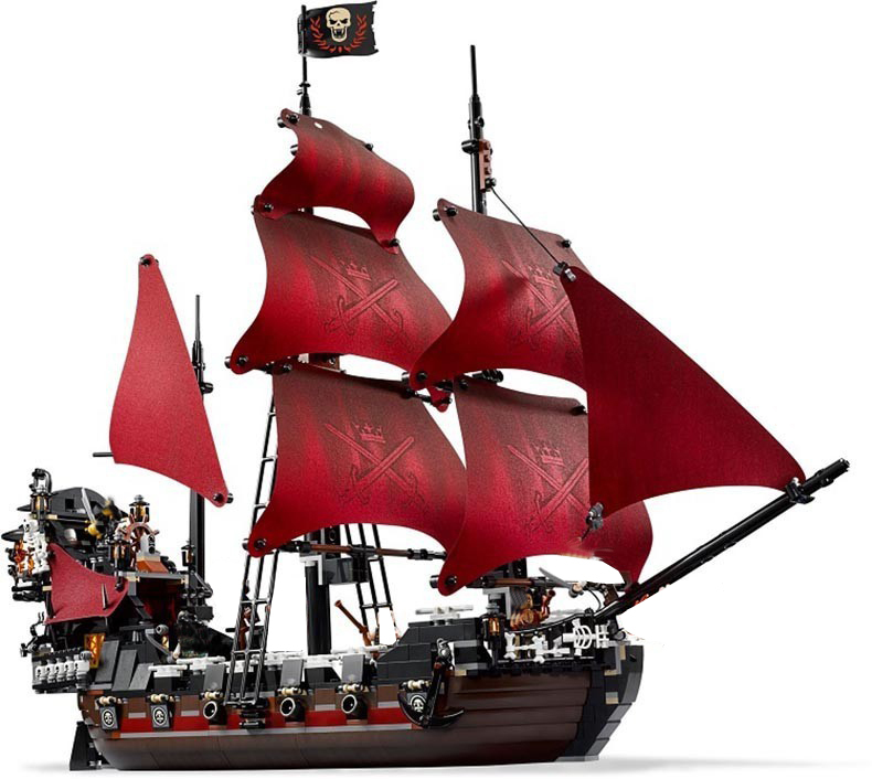 Lepin 16009 1151pcs Queen Anne's revenge Pirates of the Caribbean Building Blocks Set Bricks Toys for Children Christmas gifts lepin 16009 caribbean blackbeard queen anne s revenge mini bricks set sale pirates of the building blocks toys for kids gift