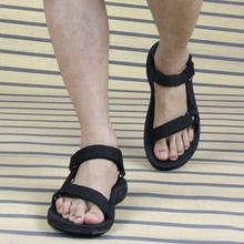 3.29 spuer deal 2016 New Casual Sandals Men Vietnamese Shoes Black And Brown Flat Shoes Summer Zapatos Plus Size 45 Light Beach