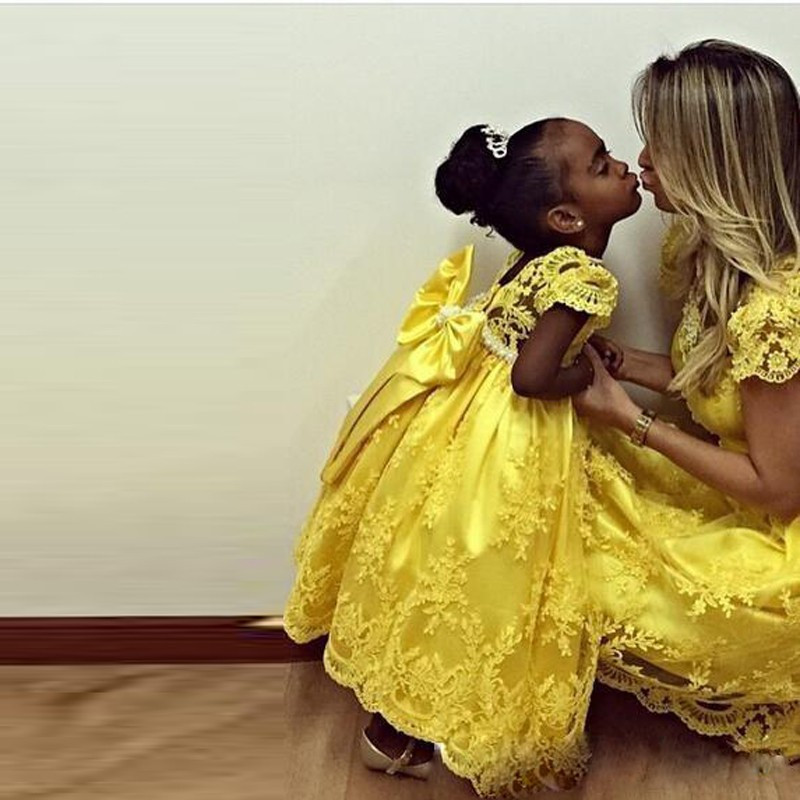 Yellow 2018 Amazing first communion   dresses   for   girls   Appliques Lace Pearls kids evening gown   flower     girl     dresses   for weddings