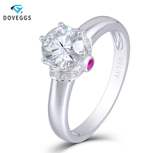 DovEggs 18K 750 White Gold 1ct Diameter 6.5mm F Color Lab Grown Moissanite Engagement Ring With Moissanite and Ruby Accents недорого