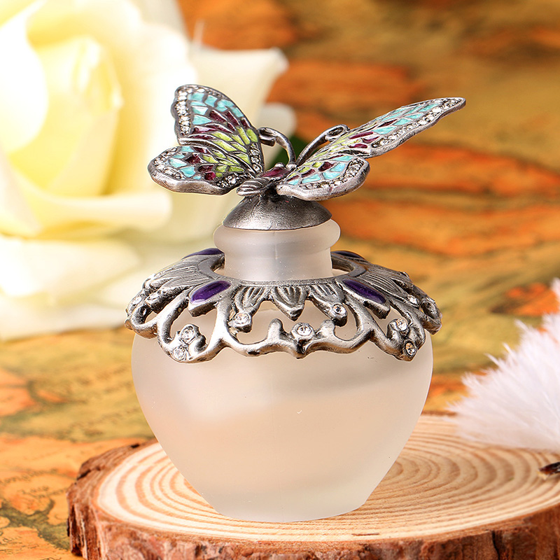 Vintage 40ml Silver Butterfly Diamante Retro Antique Hollow Out Glass Perfume Bottle Empty Cosmetic Container Perfume Bottle 2pcslot 15ml cc hollow out copper color middle east essential bottle for oils perfume empty glass bottle for wedding decor