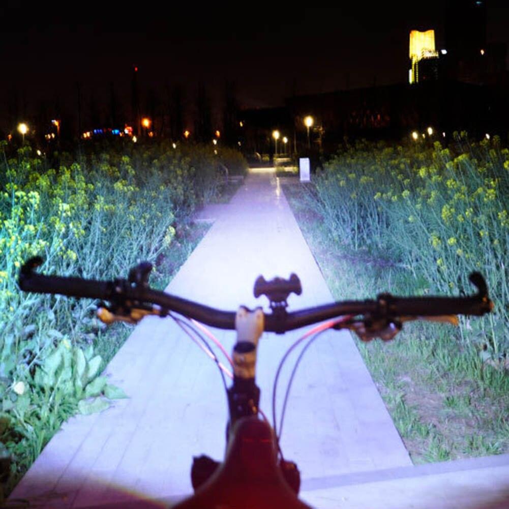 Vente chaude vélo avant lampe USB chargeur vélo vtt forte lumière étanche nuit équitation lampe de poche
