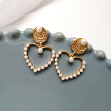 The latest earrings contracted geometric delicate peach heart girl metal pearl wholesale
