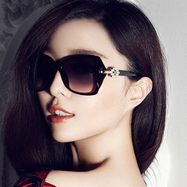 72c71b0fd Novo 2016 Do Sexo Feminino Audrey Óculos Moda Retro Rebites Das Mulheres Do  Vintage Óculos De