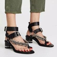 Новинка года; Босоножки с открытым носком на невысоком каблуке в стиле ретро; женская обувь; Роскошные брендовые дизайнерские кожаные сандалии с цепочкой на массивном каблуке