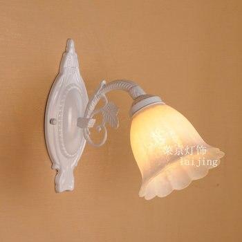 Eropa lampu dinding minimalis roombedroom modern kepribadian kreatif Mediterania putih Amerika Besi dinding cahaya ZZP4261