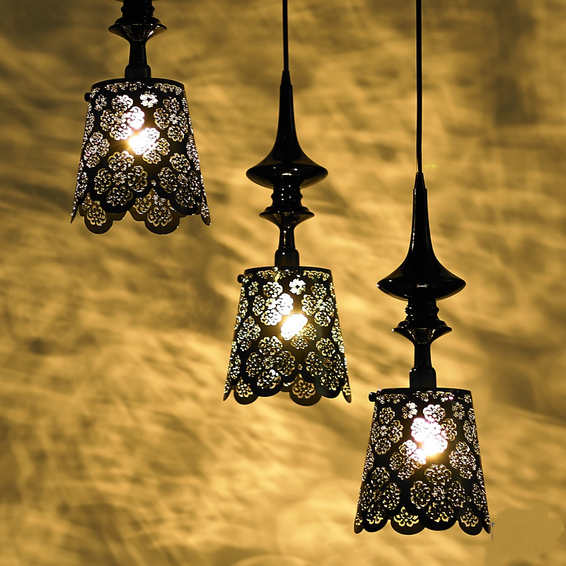 Nordic iron Pendant Lights Lamp bedroom villa restaurant preferred LED lamp romantic hollow carved art lace lamps ZA classic candlestick hollow iron art lamp for romantic wedding home decoration