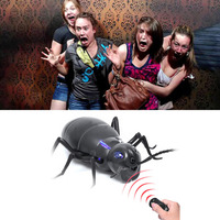 Spoof Zabawki Zdalnego sterowania Na Podczerwień Realistyczne Elektryczne Fałszywe Ant RC Straszny Sztuczka Joke Prank Owady Błędy na Imprezę