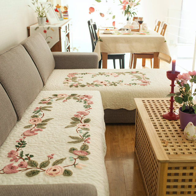 Tarohome Sofa Slipcovers For Living Room Artificial Embroidery Non     Tarohome Sofa Slipcovers For Living Room Artificial Embroidery Non slip  Spot Sofa Cover Flower Pattern