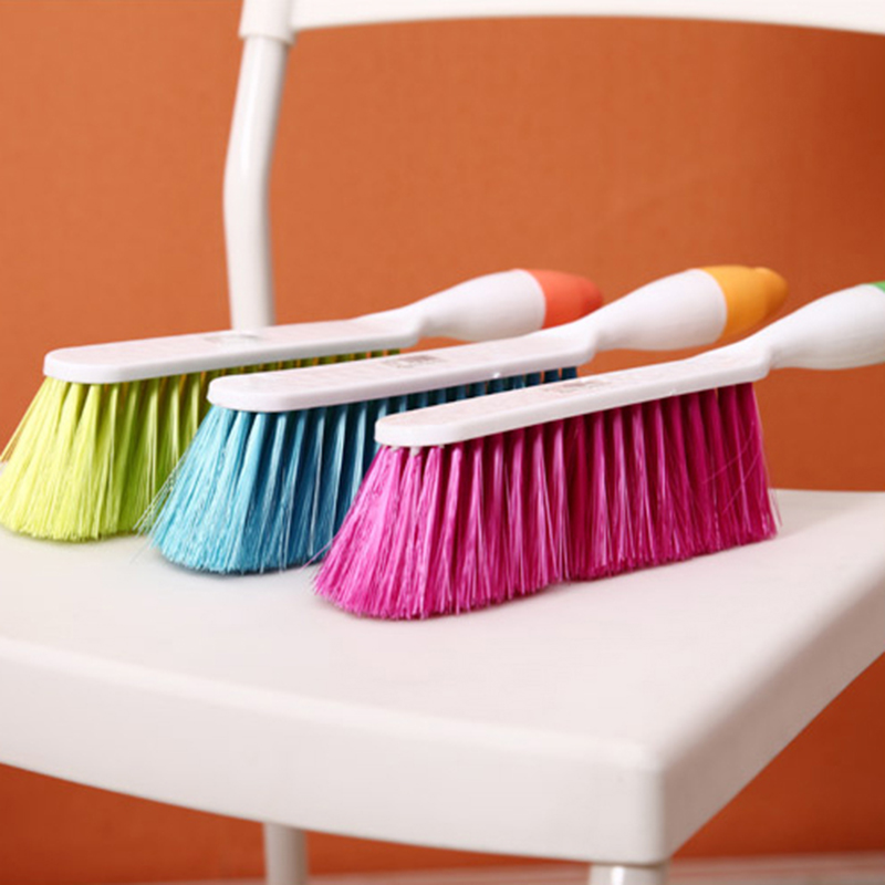 1Pcs NEW Candy Color Household Brush Long Handle Slip-resistant Handle Bed Sheets Bedspread Sofa Cleaning Brush Dust Brush
