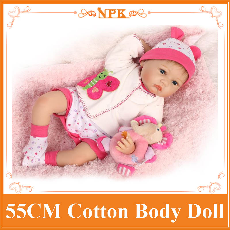 Latest 55cm 22inch Baby Reborn Doll With Comfortable Handmade Baby Doll Clothes New Design Benecas Reborn Toys for Girls Gift