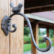 Ornate Cast Iron Hanging Basket Bracket Hook Home Garden Wall Shed Storage Hanger Wall Barn Fence Bird Gardening Decor Vintage
