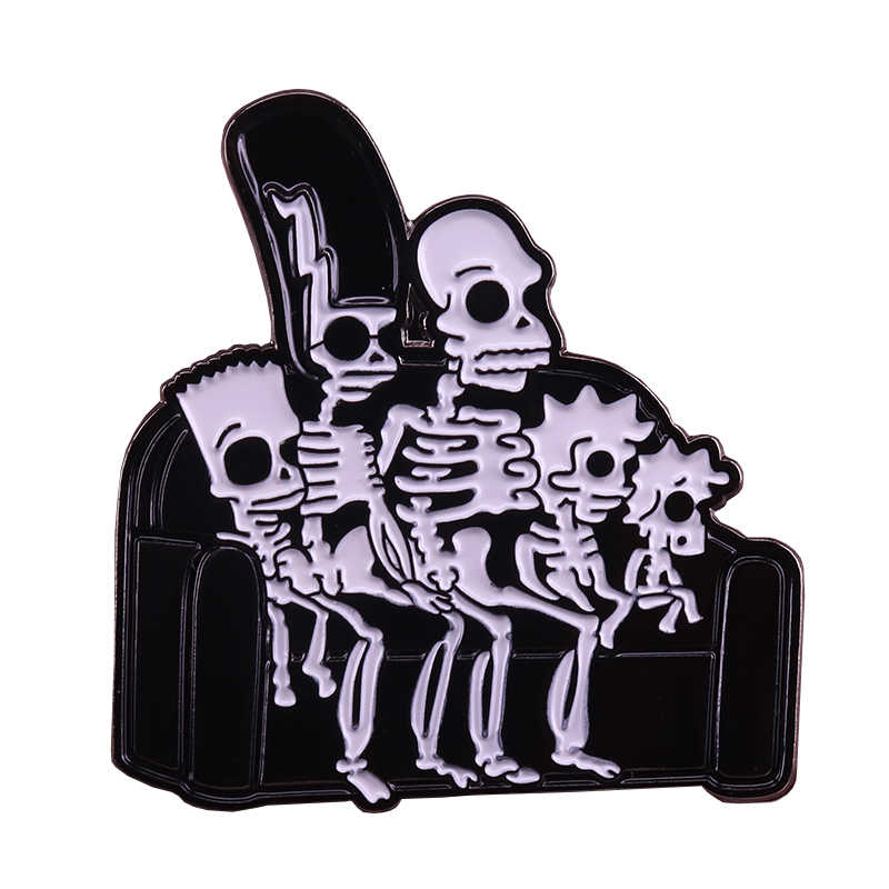 Simpsons x-ray dello smalto pin spooky skeleton arte distintivo divano famiglia cranio spilla divertente di Halloween accessorio
