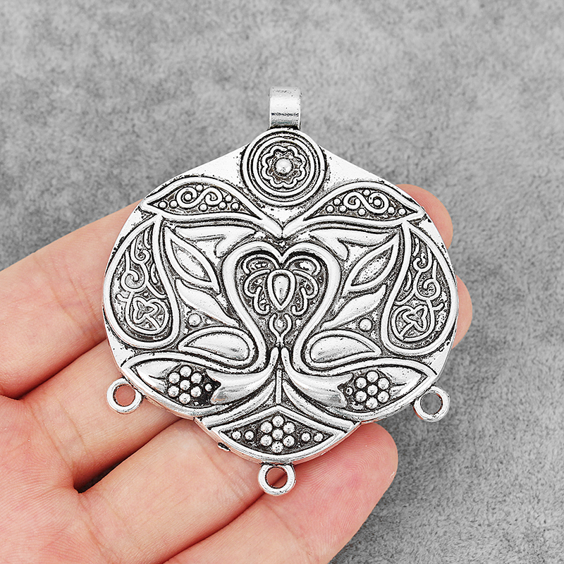 5 x Tibetan Silver Tone Large Flower Round Charms Pendants for Jewellery Making