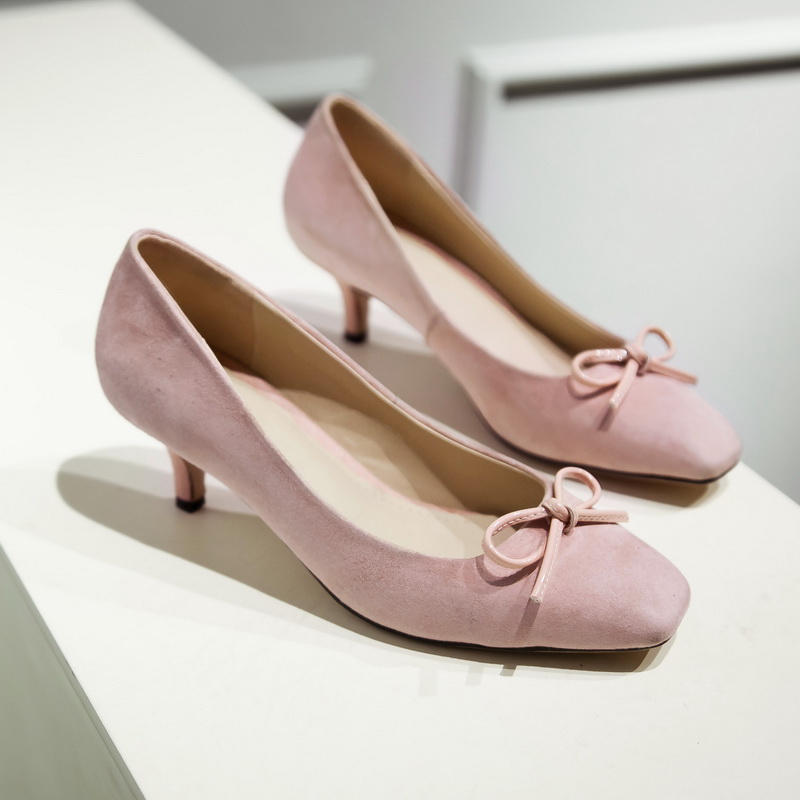 цены Women's Genuine Suede Leather Slip-on Pumps Brand Designer Sweet Bowtie Square Toe Low Heel Elegant Ladies Shoes for Women Sale