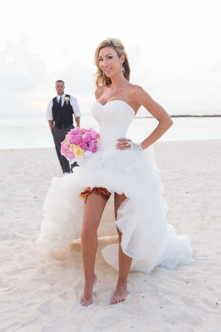 sexy short beach wedding dress with zipper back sexy wedding dresses Published December 31 at in Sexy Short Beach Wedding Dresses