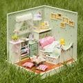 Kit De Madeira DIY Casa de Boneca Em Miniatura Casa De Bonecas Sala de coner Music box/caixa de controle de Voz com a instrução Inglês CASA de BONECAS