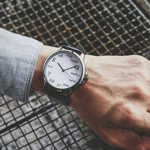 Творческий Часы Для женщин Мужская Мода Тренд британский стиль молодежи прилив стол Ретро кварцевые наручные часы черный и белый пару Hour Clock