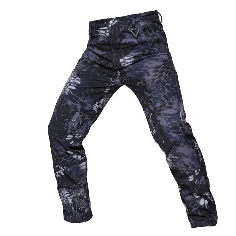 Vintervarma byxor Män Lastbyxor Fleece Softshell Camouflage Utomhussporter Vandring Vattentäta Tactical Military Pants Women