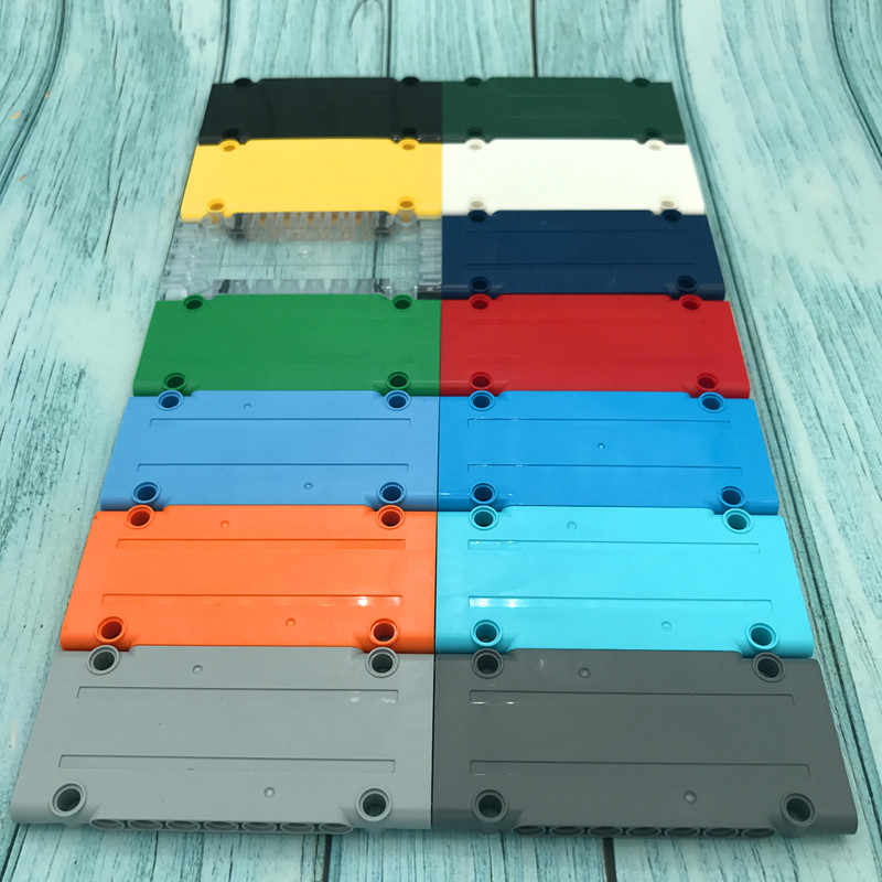 10Pcs/Lot TECHNIC PARTS 5 x 11 x 1 Technic Panel Building Blocks Flat Panel Plate Truck Brick DIY Toys Compatible with 64782