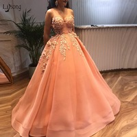 Saudi Arabic Peach Prom Dresses 2018 With Delicate Appliques 3D Flower Beaded Prom Gowns Sweetheart Plus Size Lace Up Ball Gown