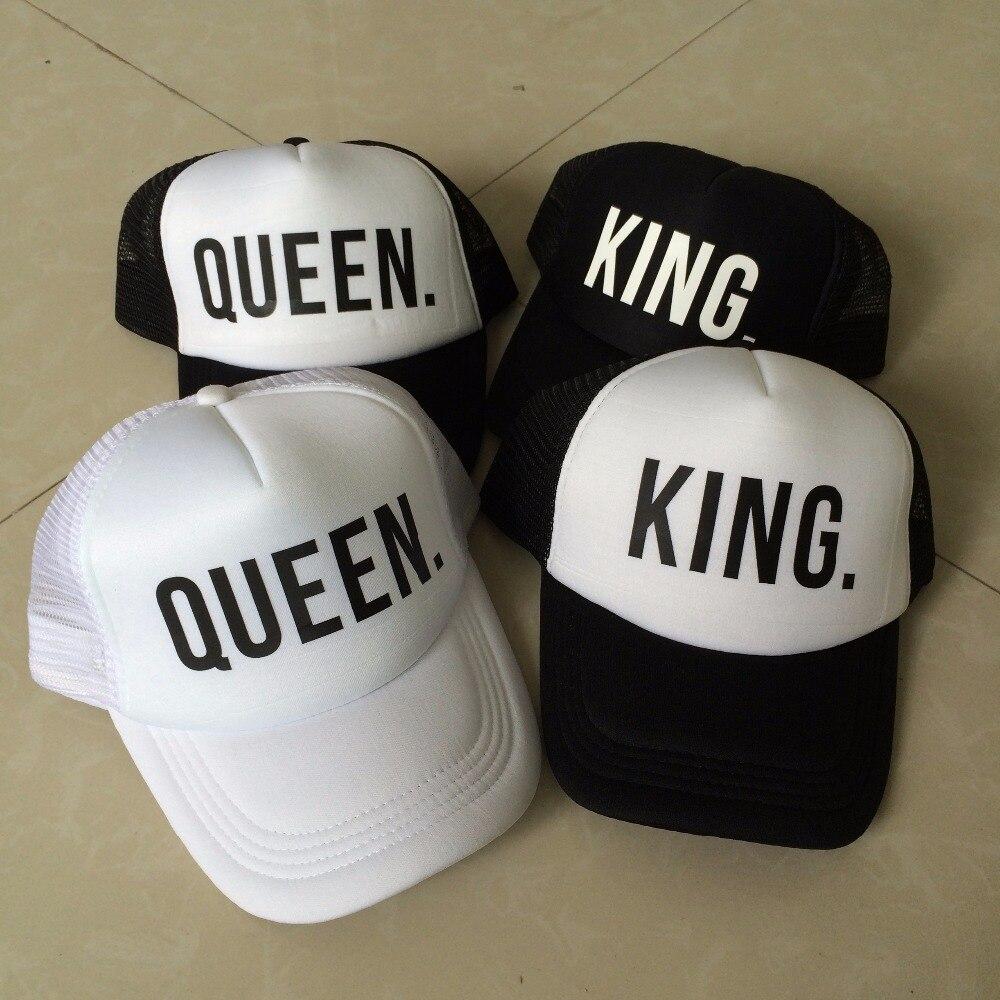 c669f570fd29a Rey QUEEN Print Trucker Caps hombres mujeres Polyester Mesh verano Visor  Snapback sombrero negro blanco pareja regalos envío gratis en Gorras de  béisbol de ...