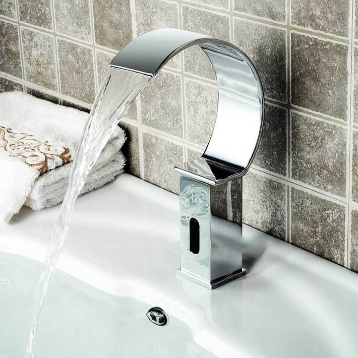 Smart Touchless infrarouge cascade capteur Robinet Robinet froid seulement lavabo Robinet automatique en laiton Robinet
