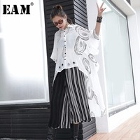 EAM 2018 New Summer Lapel Short Sleeve Letter Printed Metal Hem Irregular Hollow Out Big