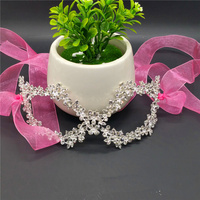Plata femenina Diamantes con piedras falsas mascarada Mardi Gras partido elegante hermosa máscara de boda o Día de la madre