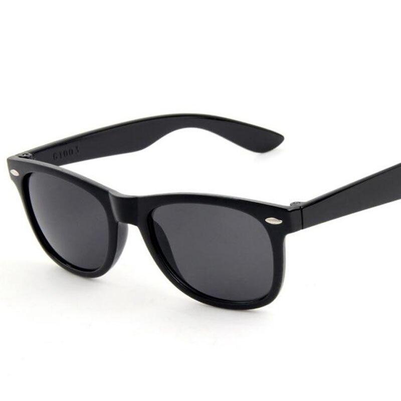Moda Retro Óculos De Sol Dos Homens de Plástico Preto 2017 Colorido Homem Do Espelho Do Vintage óculos de Sol Mulheres Uv400 Eyewear Oculo de sol de Verão
