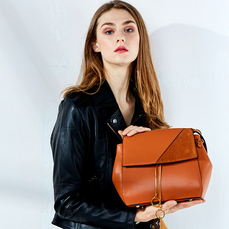 New classic women shoulder bag high quality cow leather bolsa feminina women messenger bags fashion genuine leather woman bag cow leather shoulder bag brand new 2018 messenger bag women genuine leather bolsa feminina free shipping two shoulder straps