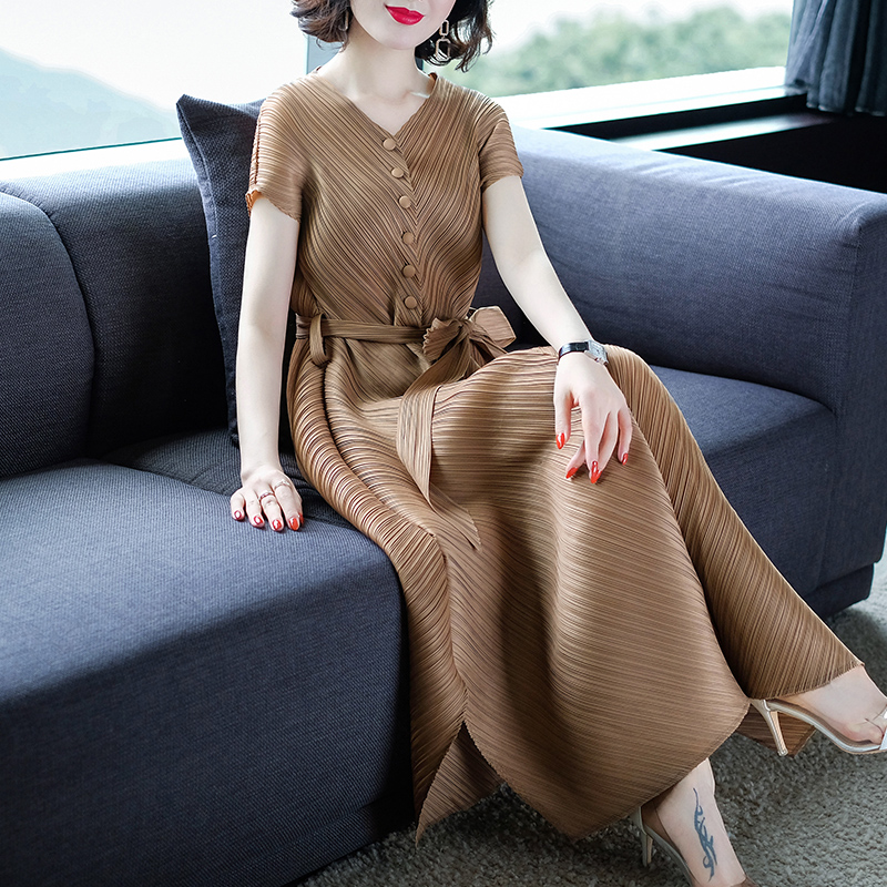 Changpleat 2019 Summer New V-neck Dress Miyak Pleated Fashion Solid Slim Elastic Waist Large Size Belt Female Dresses Tide D9869