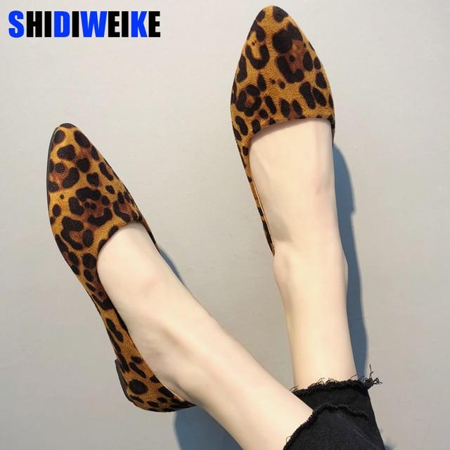 Пикантные леопардовые женские туфли на плоской подошве 2019 г. модные Универсальные туфли с острым носком sapato feminino туфли Лоферы n673