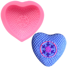 цена на 3d Love Shape Silicone Mold Chocolate Molds Cake Decorating Tools DIY Baking Snowflake Fondant Soap Mould Silicon Form for Cakes