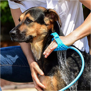 Pet ferramenta de banho confortável combinação chuveiro 3 em 1 limpeza banho pulverizadores e purificador cão escova pet suprimentos