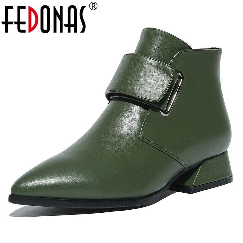 fbfaab449 FEDONAS moda tobillo botas mujeres cuero genuino Otoño Invierno corto  Martin zapatos mujer hebillas punta estrecha botas básicas en Botines de  Zapatos en ...