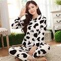 Invierno precioso vaca pijamas set Lindo Engrosada vaca Coral Polar Pijama de Dormir Muebles Para El Hogar lindo Traje de Terciopelo de Ocio de Ropa Para El Hogar