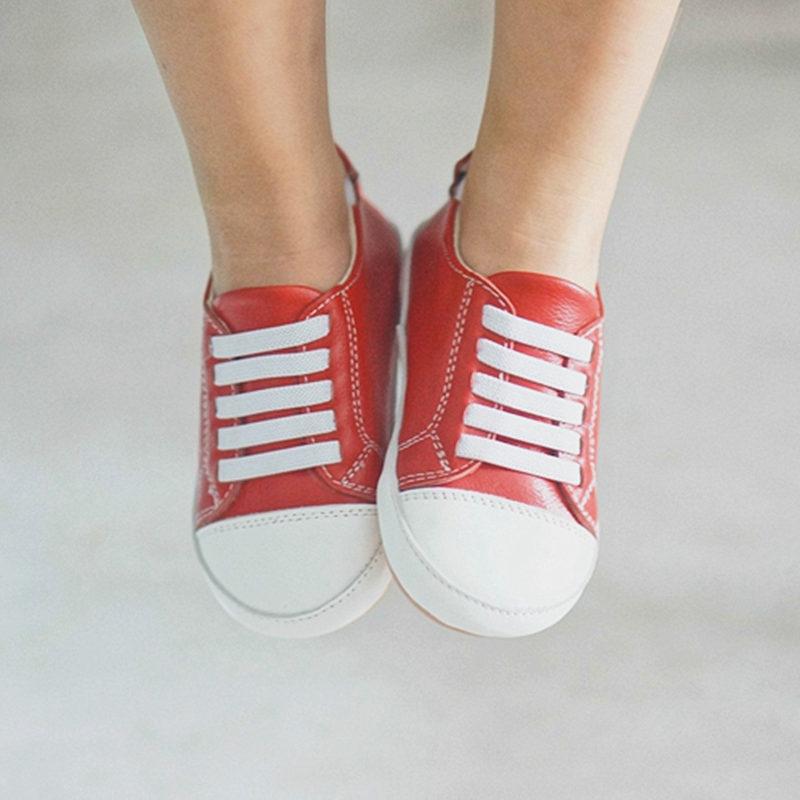 42b3f13e96fb2 Haut de gamme Véritable En Cuir Premiers Marcheurs Fond Plat Bébé  chaussures Enfant En Bas Âge Bébé mocassins Anti-slip Infantile 1-6 T  chaussures simples