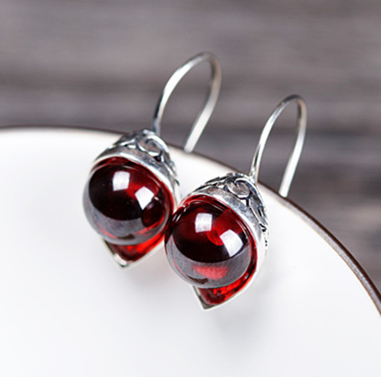 Thailand silversmith pure manual S925 silver restoring ancient ways female Thai garnet earrings and collars