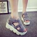ESTILO do VERÃO 2017 Sandálias Sapatos de Plataforma Das Mulheres de Salto Alto Sapatos Casuais Sapatos de Plataforma Do Dedo Do Pé Aberto Gladiador Trifle Sandálias Sapatas Das Mulheres