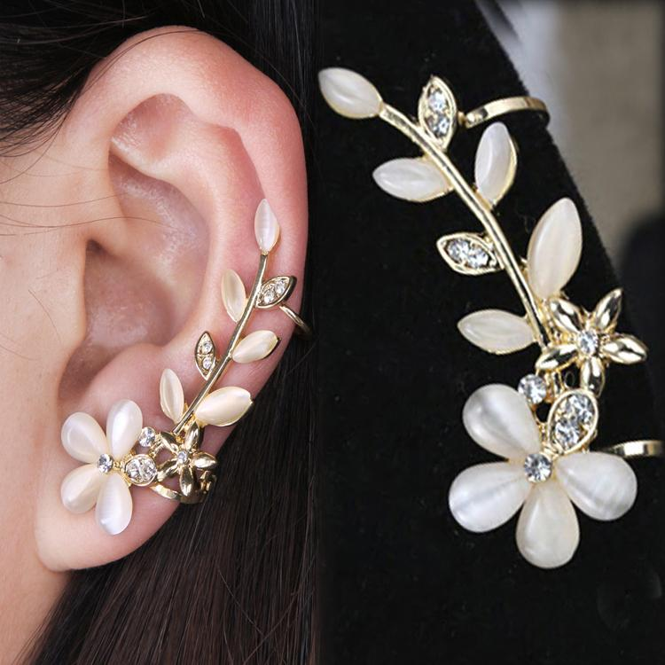 2017 New 1pc Flower Shape Rhinestone Left Ear Cuff Clip Golden Earring Ear Stud(China)