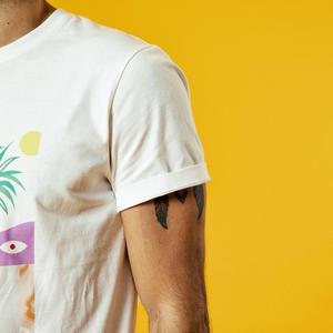 Image 3 - SIMWOOD 2020 summer new t shir tmen vacation beach top high quality casual tees 100% breathable tshirt brand clothing 190344