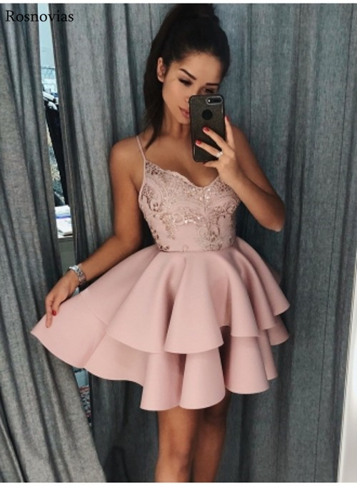 Short Stain Graduation Dresses 2020 Spaghetti Strap Tiered Skirts Lace Appliques Prom Party Gowns Custom Mini Homecoming Dresses