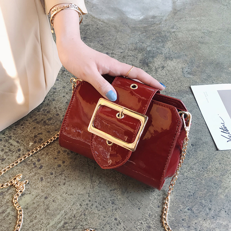 2018 Summer Fashion New Handbag High Quality PU Leather Women Bag Patent Leather Bright Shell Small Square Chain Shoulder Bags
