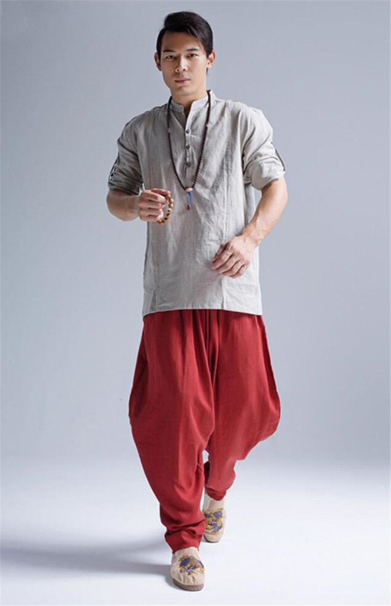 Pantalon Shenzhen rouge, chemise et chapelet bouddhiste