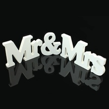 1 Set Solid Mr & Mrs Wooden Letters for Wedding Decoration Sign Top Table Present Decoration