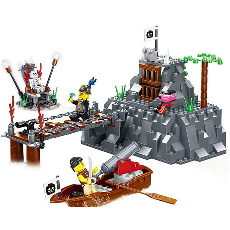 Pirates Series Occupying Island Building Blocks Friends Pirate Figures DIY Assembly Brick Learning Toys For Children Boy 366pcs set pirate castle pirates robbery barracks model building blocks savage pirate figures bricks diy toys for boys gift
